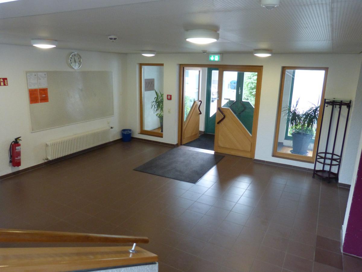 Im Dachgeschoss Befindet Sich Der Meditationsraum Für Morgen Und  Abendrunden Sowie Gottesdienste
